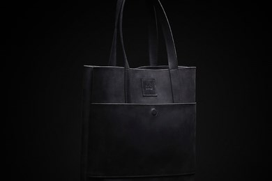 TOTE BAG // BLACK