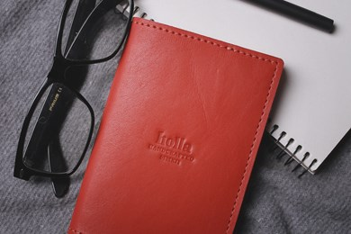 PASSPORT COVER // RED