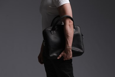 MESSENGER BAG // BLACK