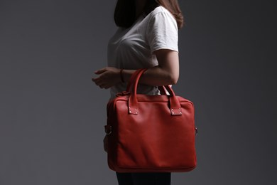 MESSENGER BAG // RED